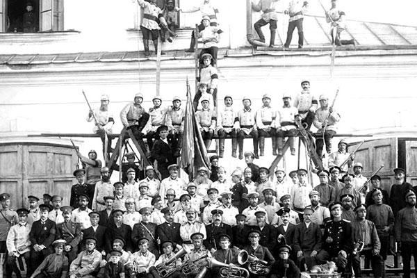 Идея создания общероссийского центра добровольной пожарной охраны возникла в 1892 г. в г. Санкт-Петербурге.
